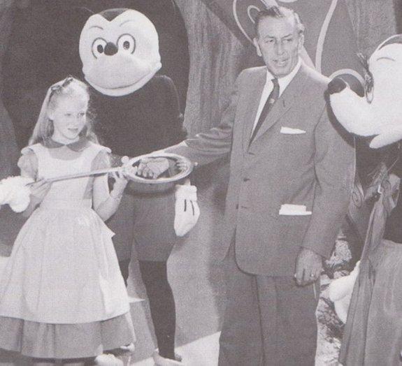Confira as fotos antigas mais bizarras dos parques da Disney