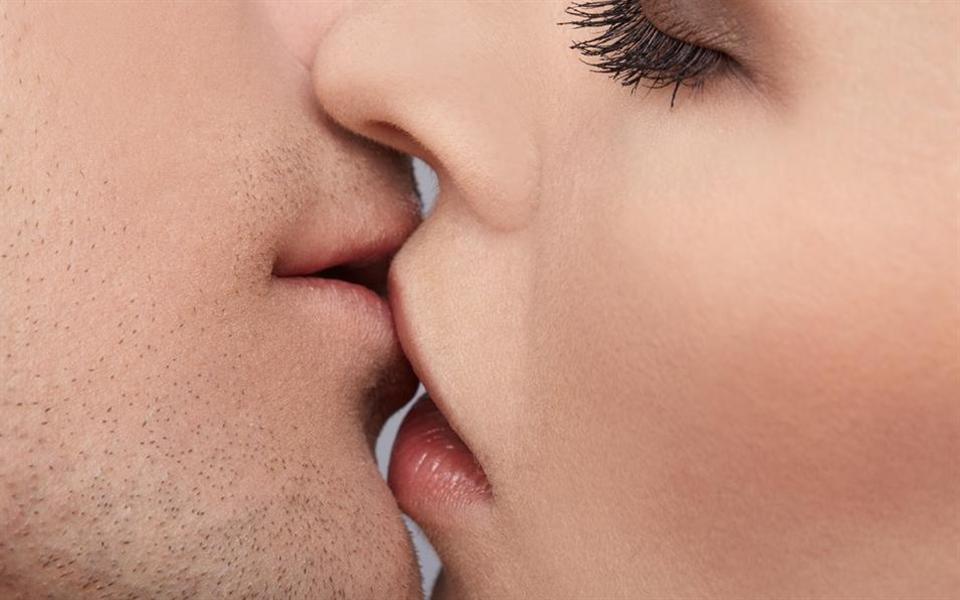 A linha do tempo do beijo