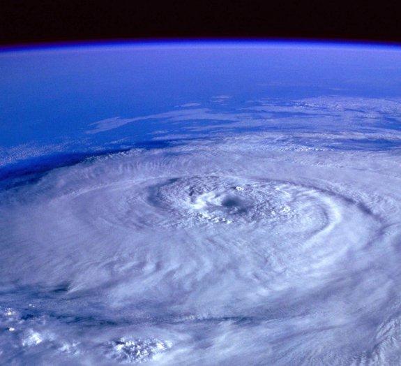 O que aconteceria se, de repente, a Terra parasse de girar?