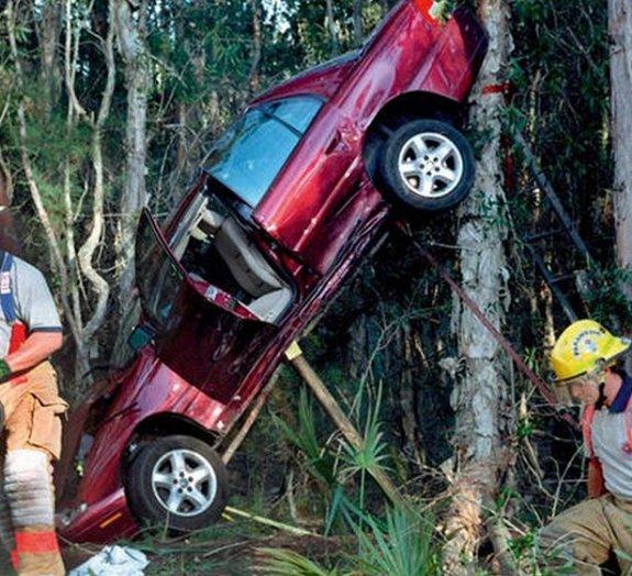 9 fotos impressionantes de acidentes de carro