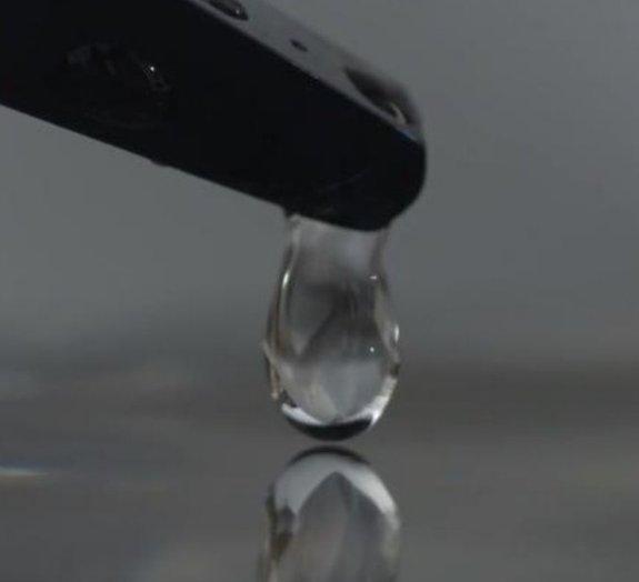 Veja a queda de uma gota de água em câmera lenta [vídeo]