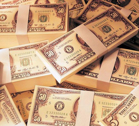 Homem pede todo o dinheiro do mundo em indenização monstruosa