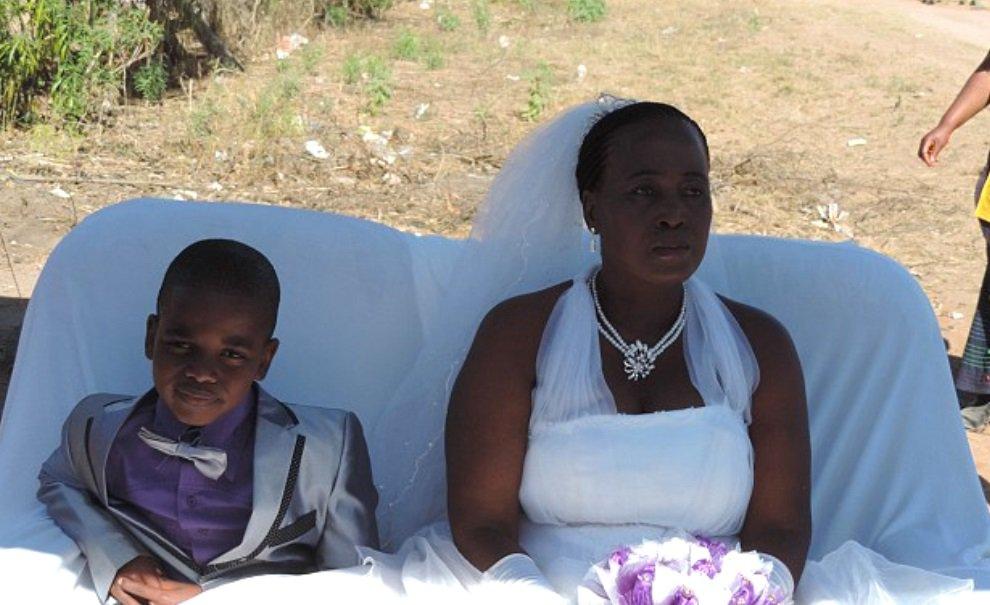 Garoto de 9 anos se casa com mulher de 62 – pela segunda vez!