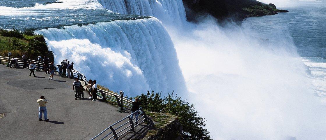 Quem foram os insanos que desafiaram as Cataratas do Niágara?