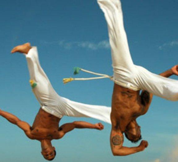 Karatê, muay thai, taekwondo e capoeira: qual tem o chute mais efetivo?