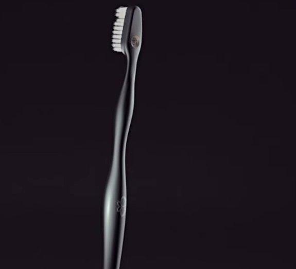 Que tal uma escova de dente de US$ 4 mil?