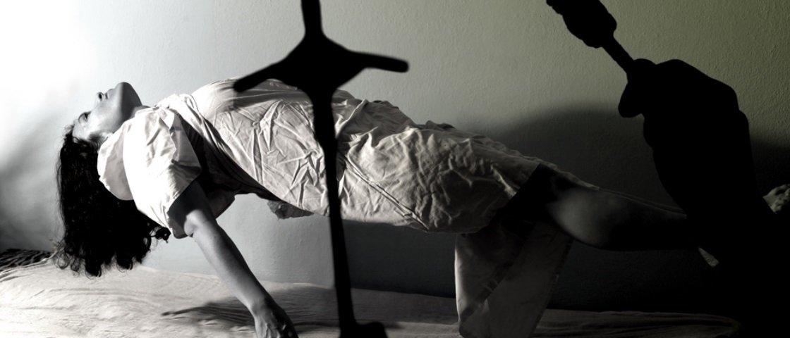 """Anneliese Michel: a adolescente que inspirou """"O Exorcismo de Emily Rose"""""""