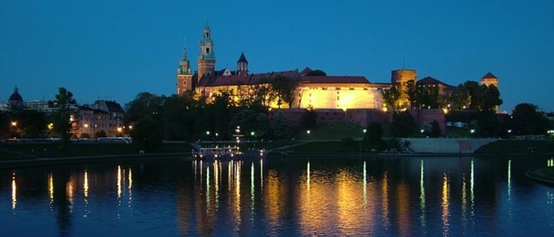 Próxima Parada: Polônia – viaje pelo país que bebe cerveja com canudinho