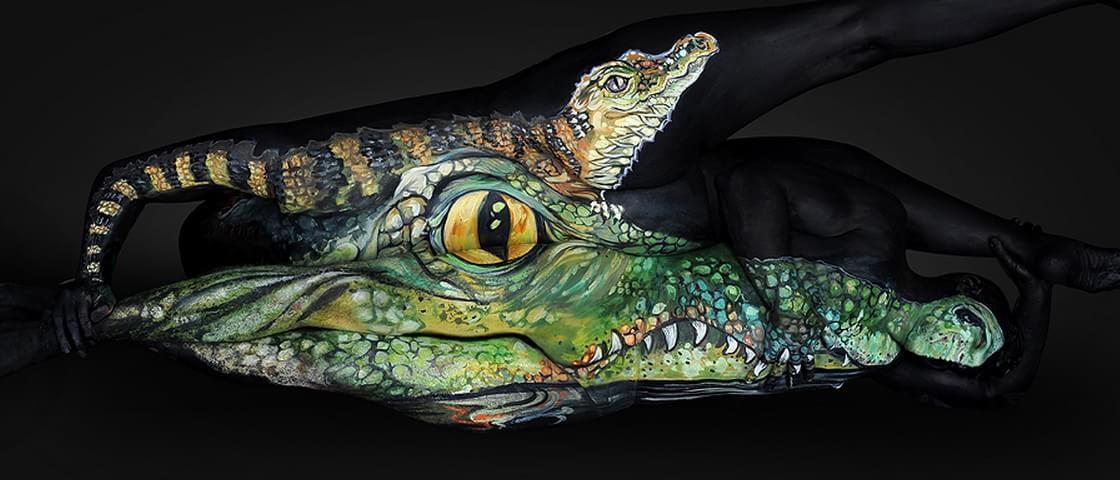 Artista usa o corpo humano como tela para belas pinturas de animais