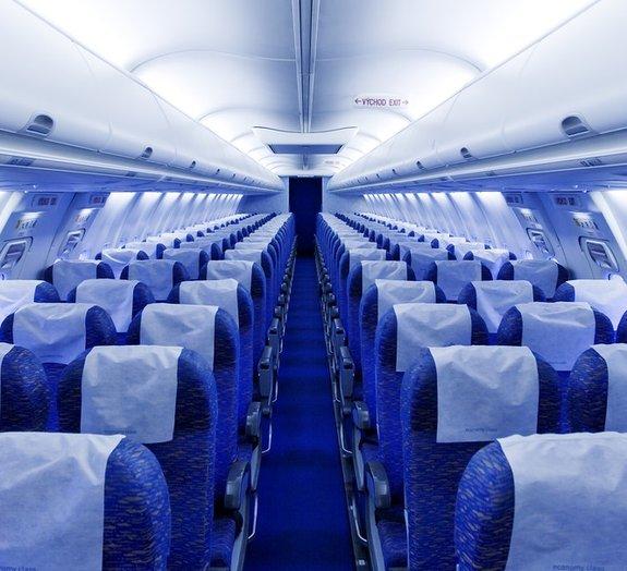 Por que aviões de voos comerciais não têm paraquedas para os passageiros?