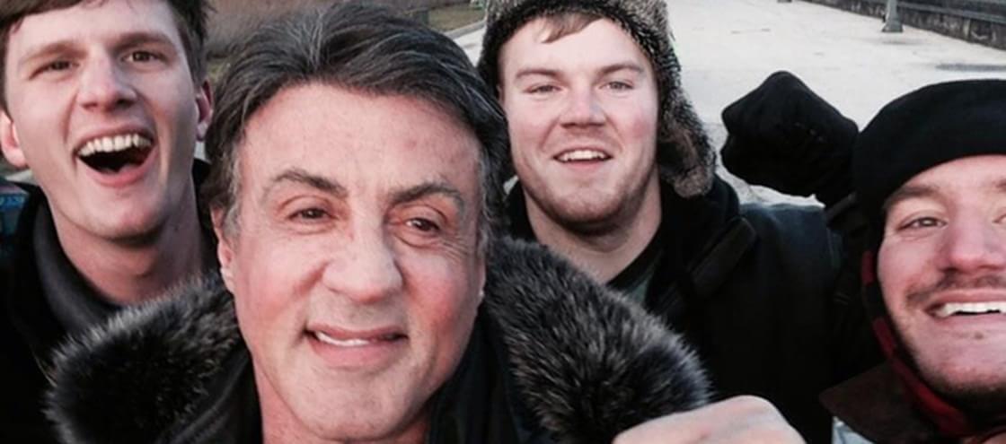 Amigos recriam subida das escadarias de Rocky e acabam conhecendo Stallone