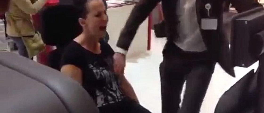 Assustador! Mulher quebra a perna em academia [vídeo]