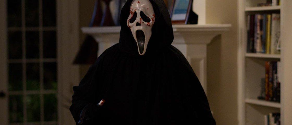 7 filmes de terror com vilões que põem medo de tão toscos