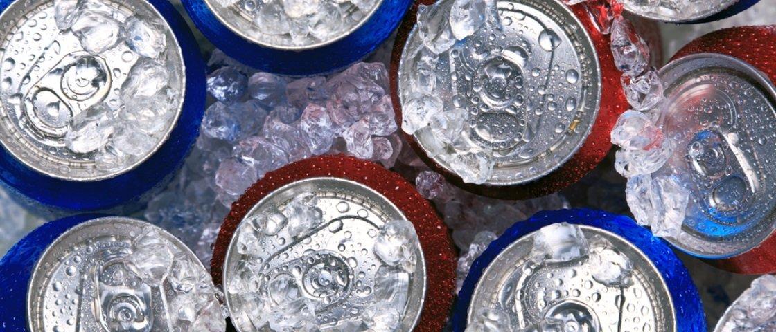 Assim fica difícil: pesquisadores descobrem que refrigerante diet engorda