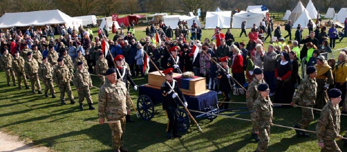 Inglaterra inicia funeral de Ricardo III após 500 anos de sua morte