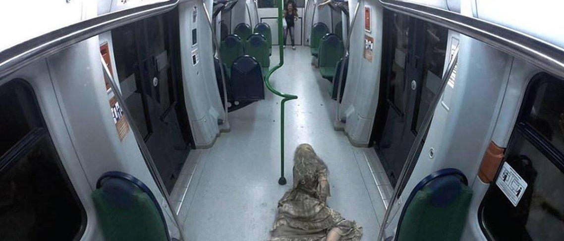 Silvio Santos apavora passageiras no metrô com pegadinha de 'Walking Dead'