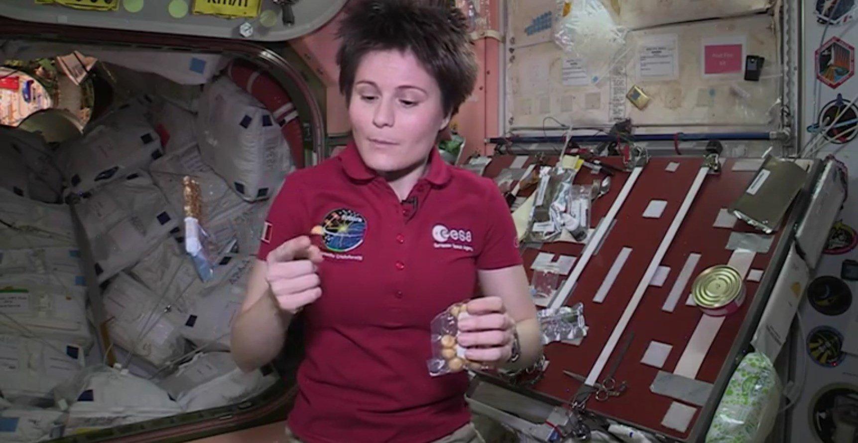 Como é o 'lanchinho' dos astronautas? [vídeo]