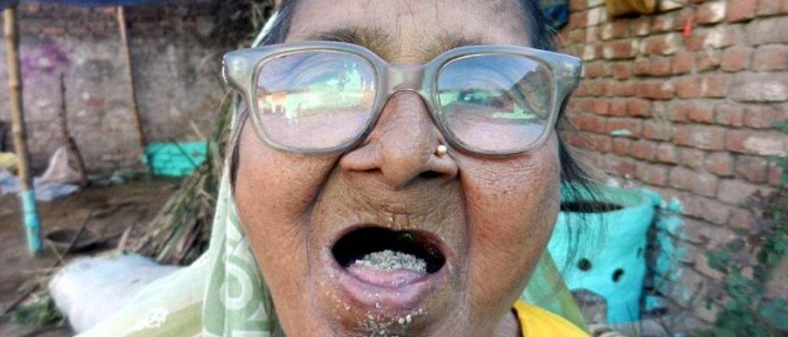 Indiana de 92 anos come um quilo de areia todos os dias