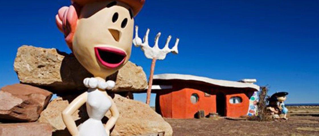 Gosta de Os Flintstones? Então se prepare: a Bedrock pode ser sua!