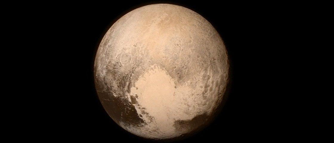 Teoria da conspiração diz que fotos de Plutão são falsas