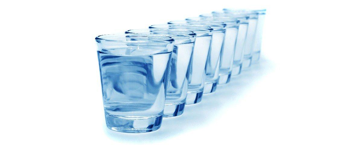 Pesquisa afirma que beber muita água antes das refeições ajuda a emagrecer
