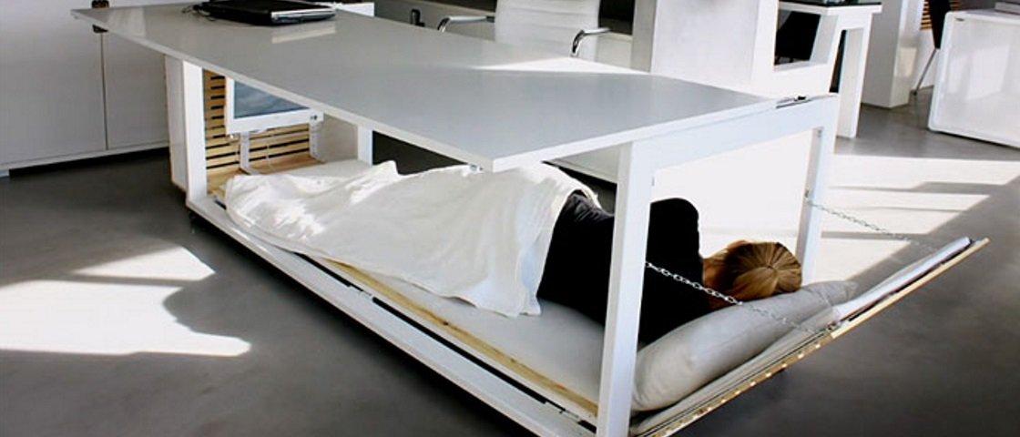 'Mesa do cochilo': conheça a provável solução para o sono no trabalho