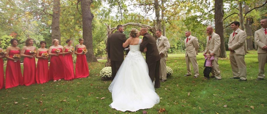 Isso é família: pai convida padrasto da filha para juntos levá-la ao altar
