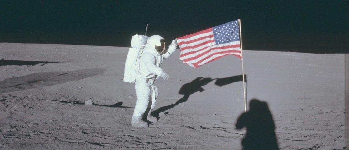Veja mais de 8 mil fotos das missões lunares da NASA em alta definição
