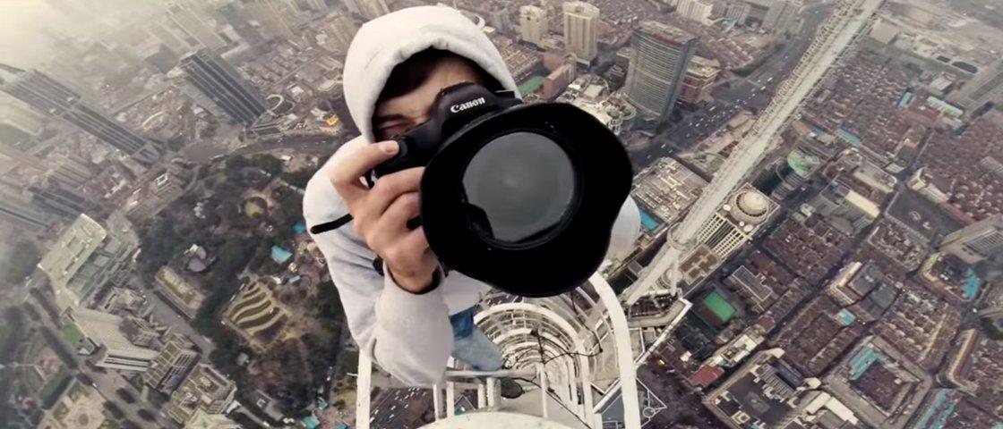 Medo: jovens sobem prédio de 333 metros sem equipamentos na China [vídeo]