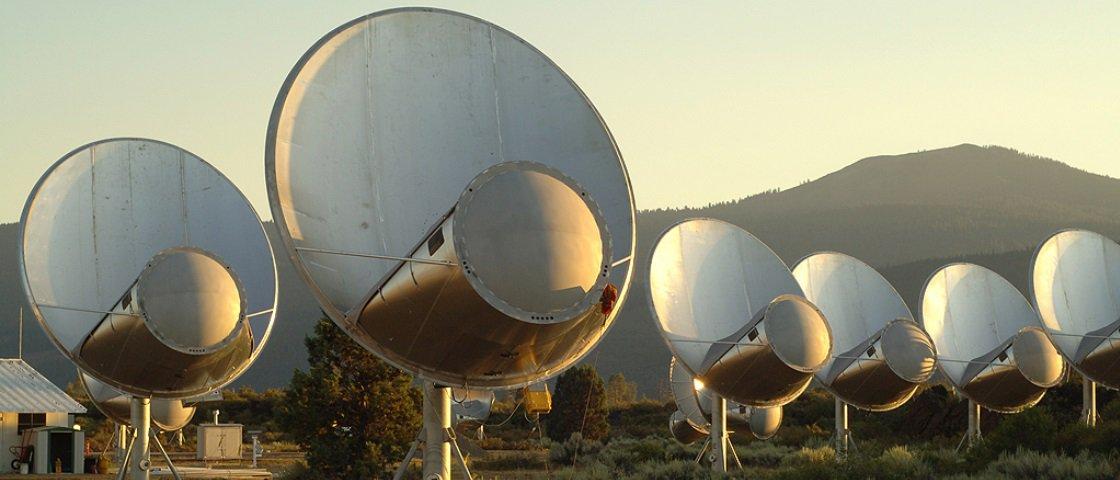 Astrônomos iniciam busca por sinal vindo de potencial estrutura alienígena