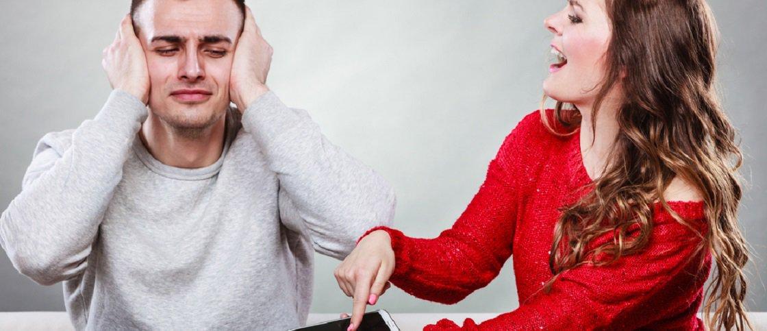 10 comportamentos típicos de quem trai discretamente