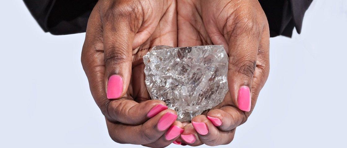 Maior diamante em 100 anos é encontrado na África