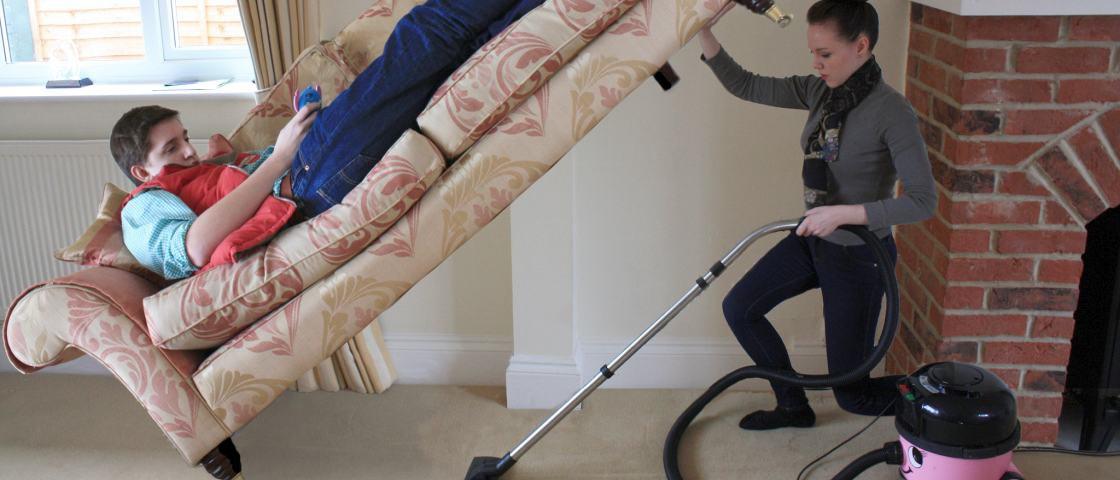 Ciência comprova: homens fazem menos trabalho doméstico do que as mulheres