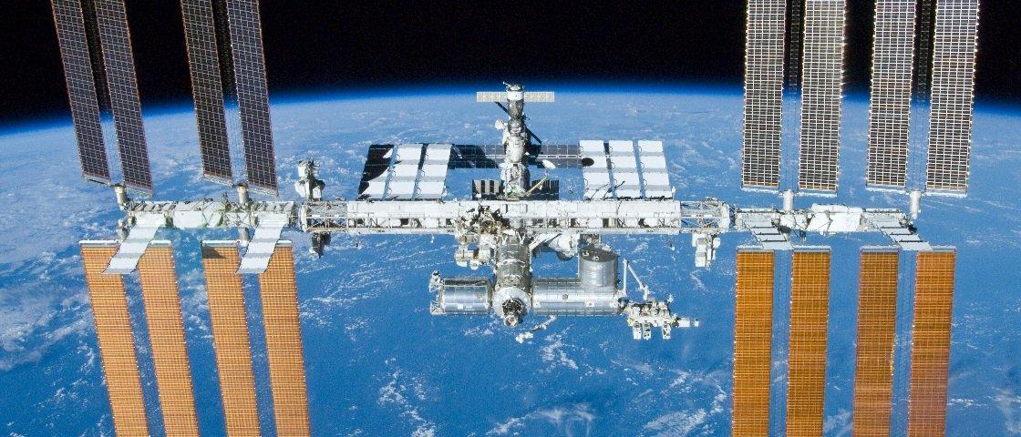 Como se lida com emergências médicas na Estação Espacial Internacional?