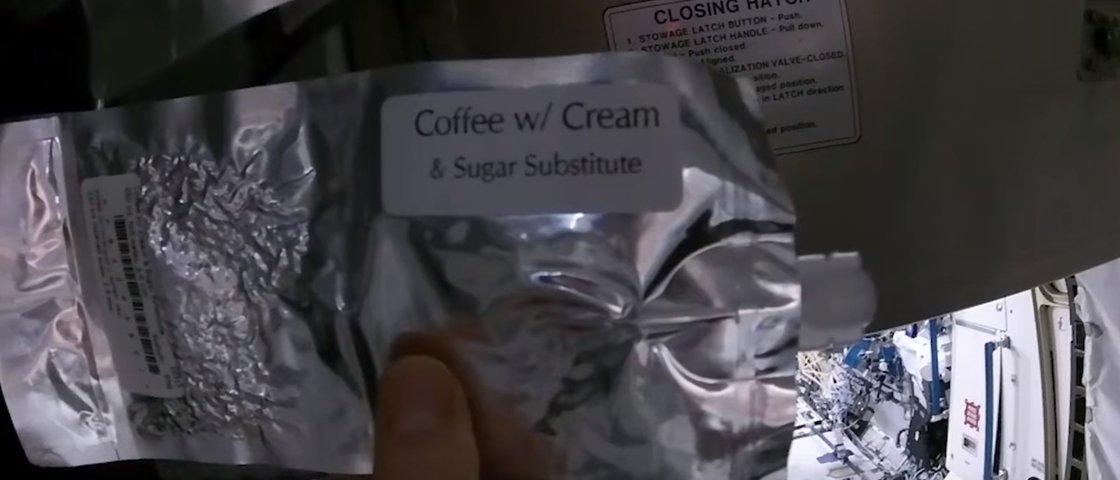 Confira como os astronautas fazem para tomar seu santo café de cada dia