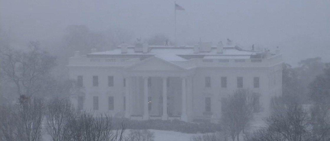 Ano mal começou e EUA já enfrentam provavelmente a pior nevasca de 2016