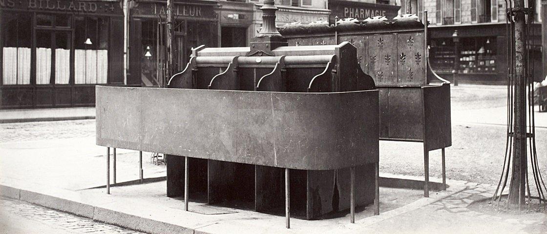 Nojento: descubra como eram os mictórios públicos de Paris no século 19