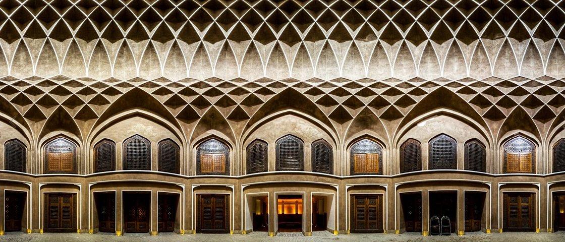 17 imagens revelam a beleza hipnotizante das mesquitas do Irã