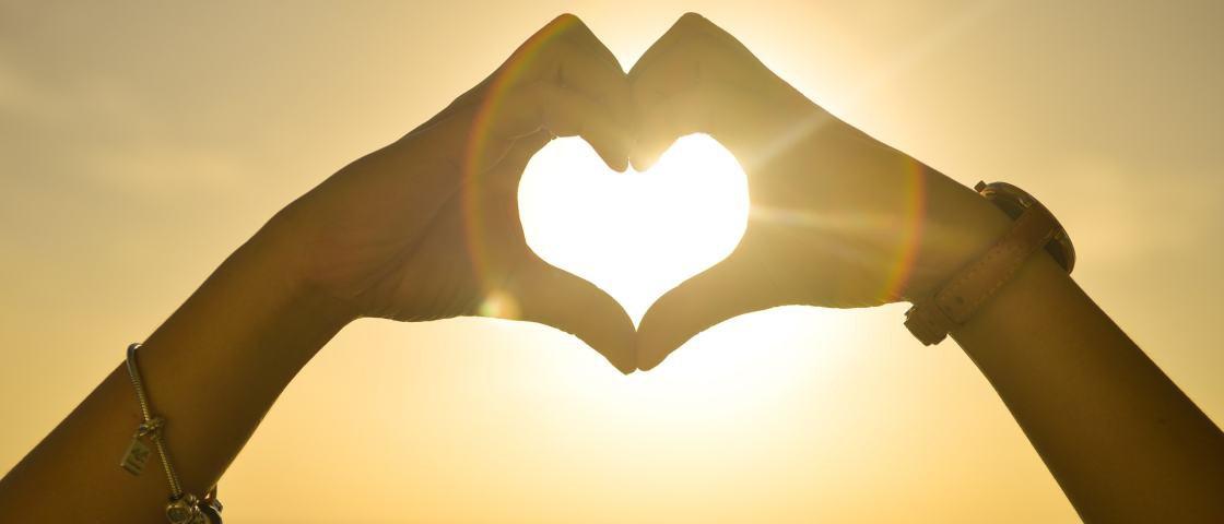 Este é o nosso Sol mandando amor para a Terra