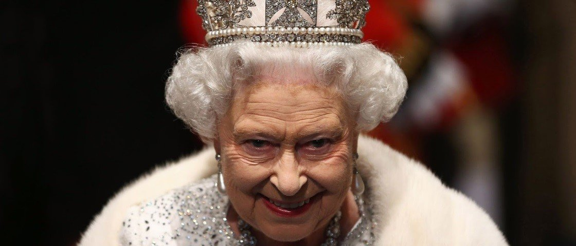Teoria da Conspiração insana tem rainha Elizabeth, Illuminatis e clones