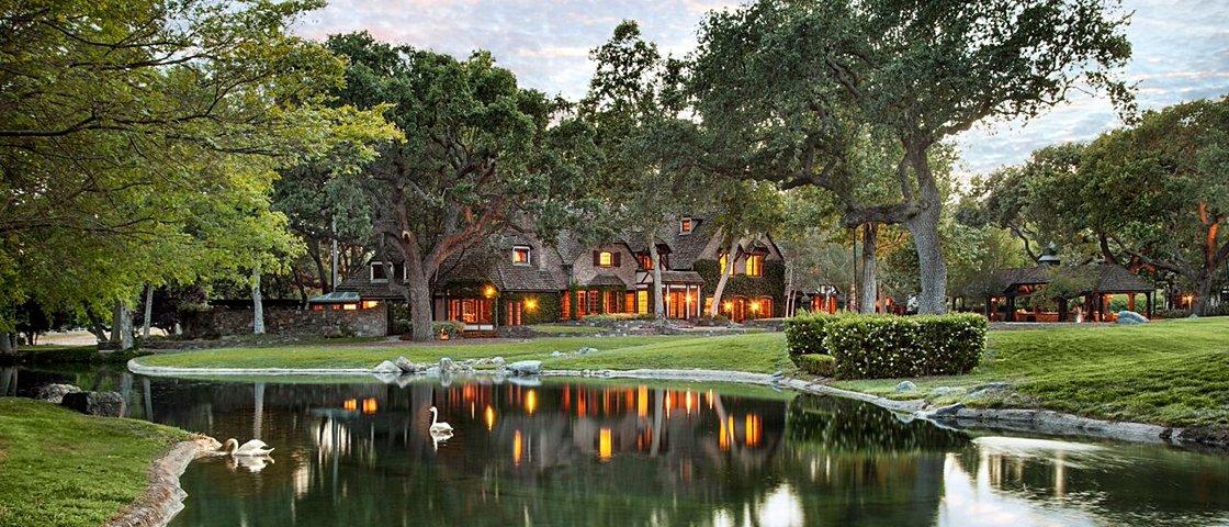 9 casas de famosos em que toda pessoa extravagante gostaria de morar