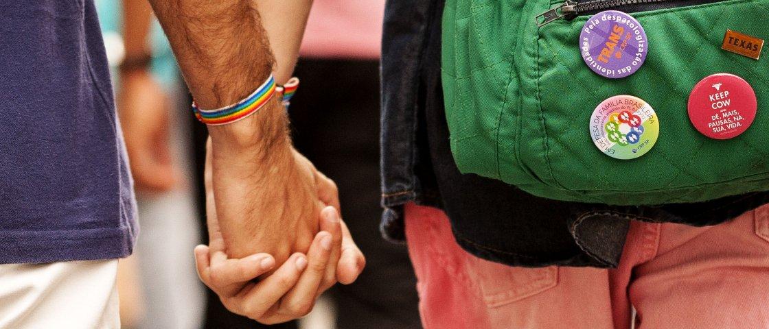9 mil milhas: o romance gay entre um brasileiro e um militar russo