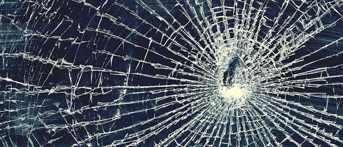 Tela do smartphone quebrada: veja a solução encontrada por estas 10 pessoas