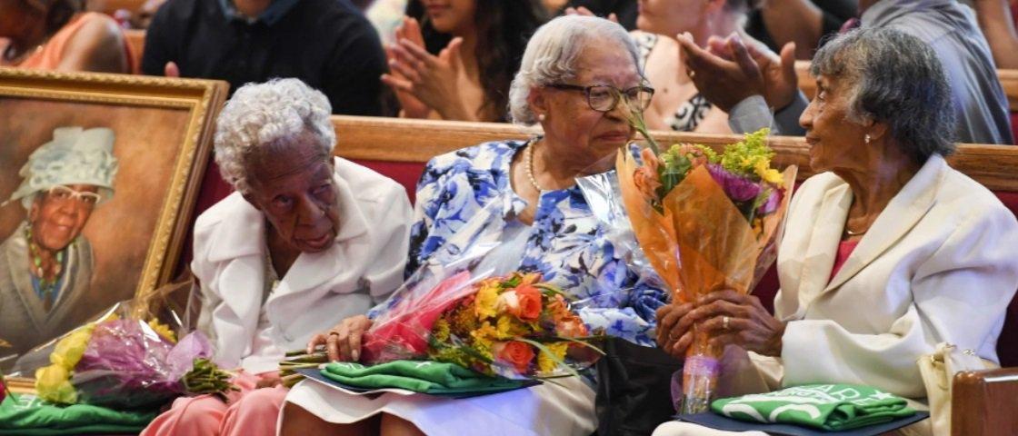 Muitos anos de vida: 3 amigas de infância celebram 100 anos de idade juntas
