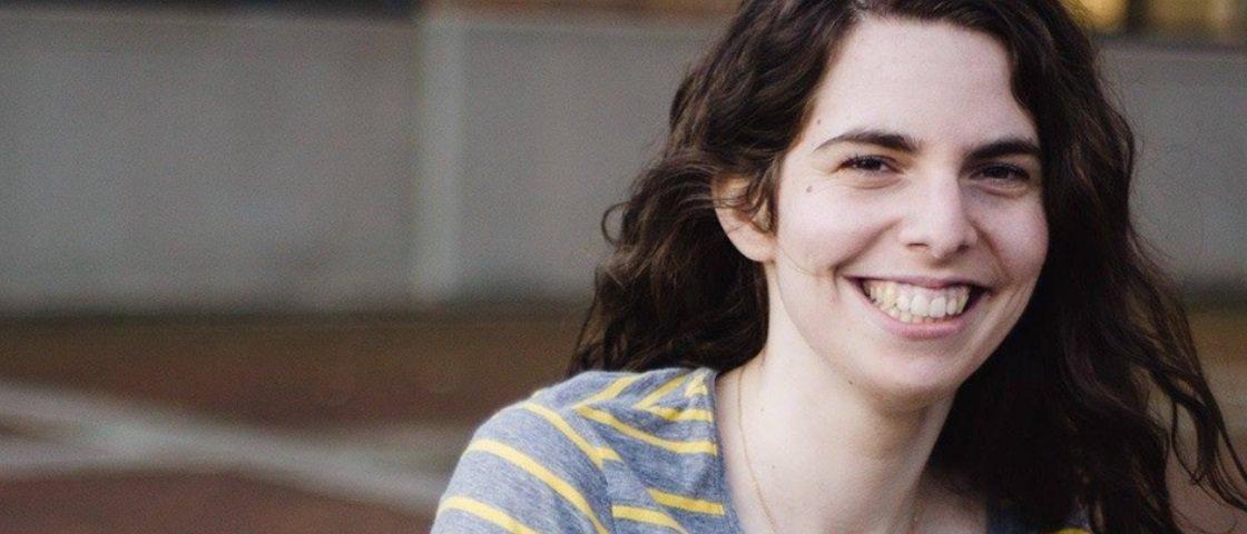 Viralizou: mulher compra 1º biquíni, posta foto e vira sucesso na internet
