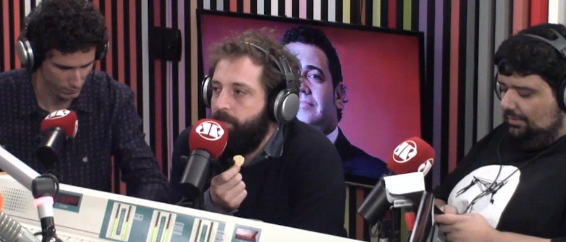 Marco Feliciano e Gregório Duvivier discutem ao vivo em programa de rádio