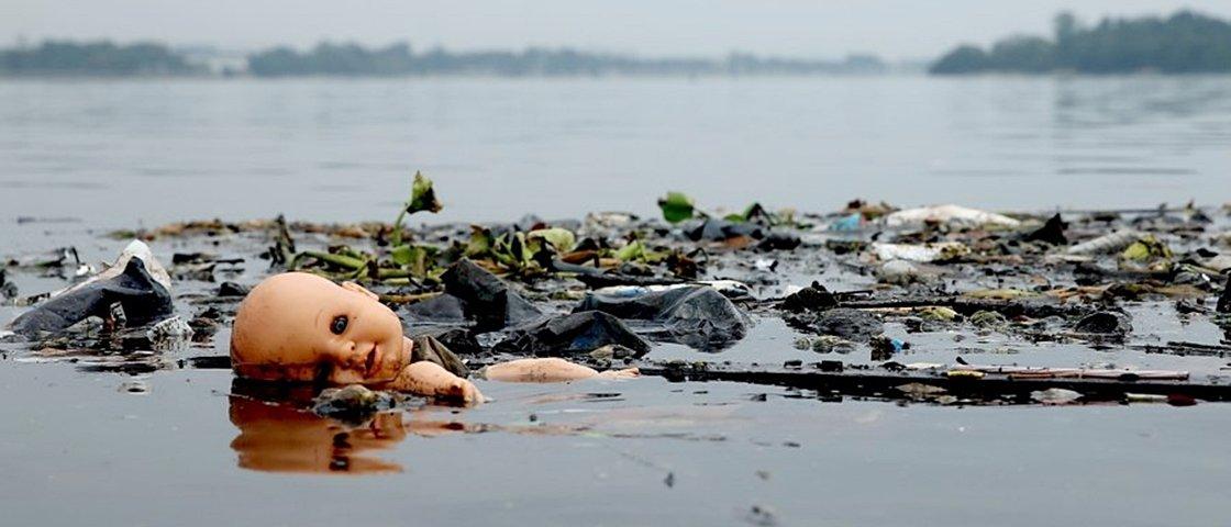 10 imagens chocantes revelam a dimensão da poluição das águas do Rio