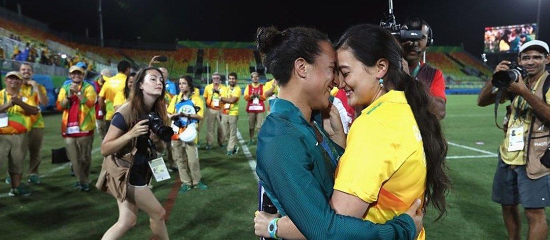 Olimpíadas: Voluntária pede jogadora de rúgbi em casamento e emociona