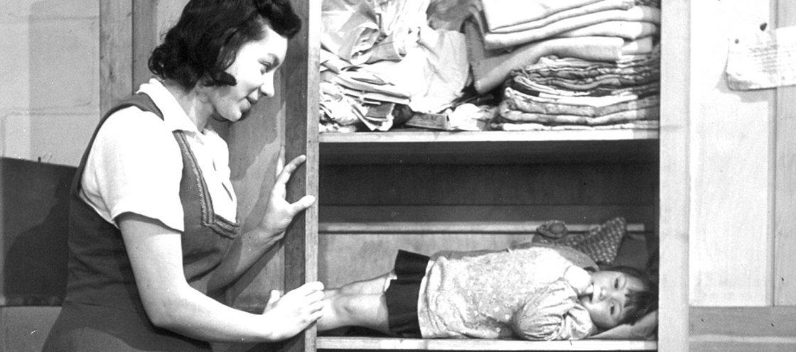 8 fotos históricas que mostram crianças em situações bizarras