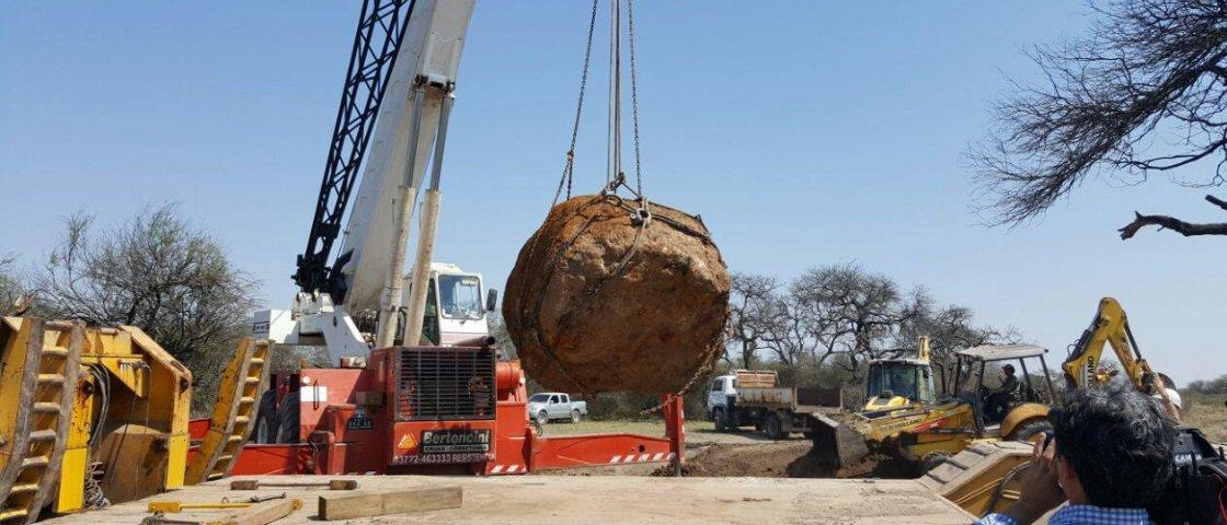 Um dos maiores meteoritos do mundo é descoberto na Argentina